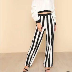 SHEIN Black &White striped wide legged trouser. M